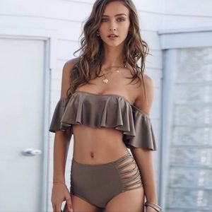 🆕Gray Ruffle off-shoulder high-waisted Bikini